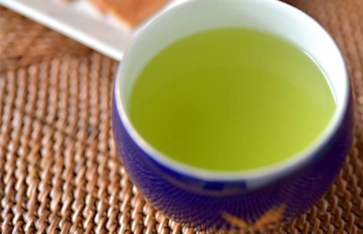 鮮やかな色のかぶせ茶
