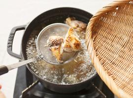 鶏肉の湯引き